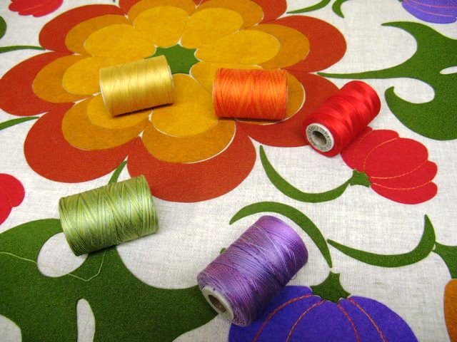 pretty-threads-for-applique-640x480