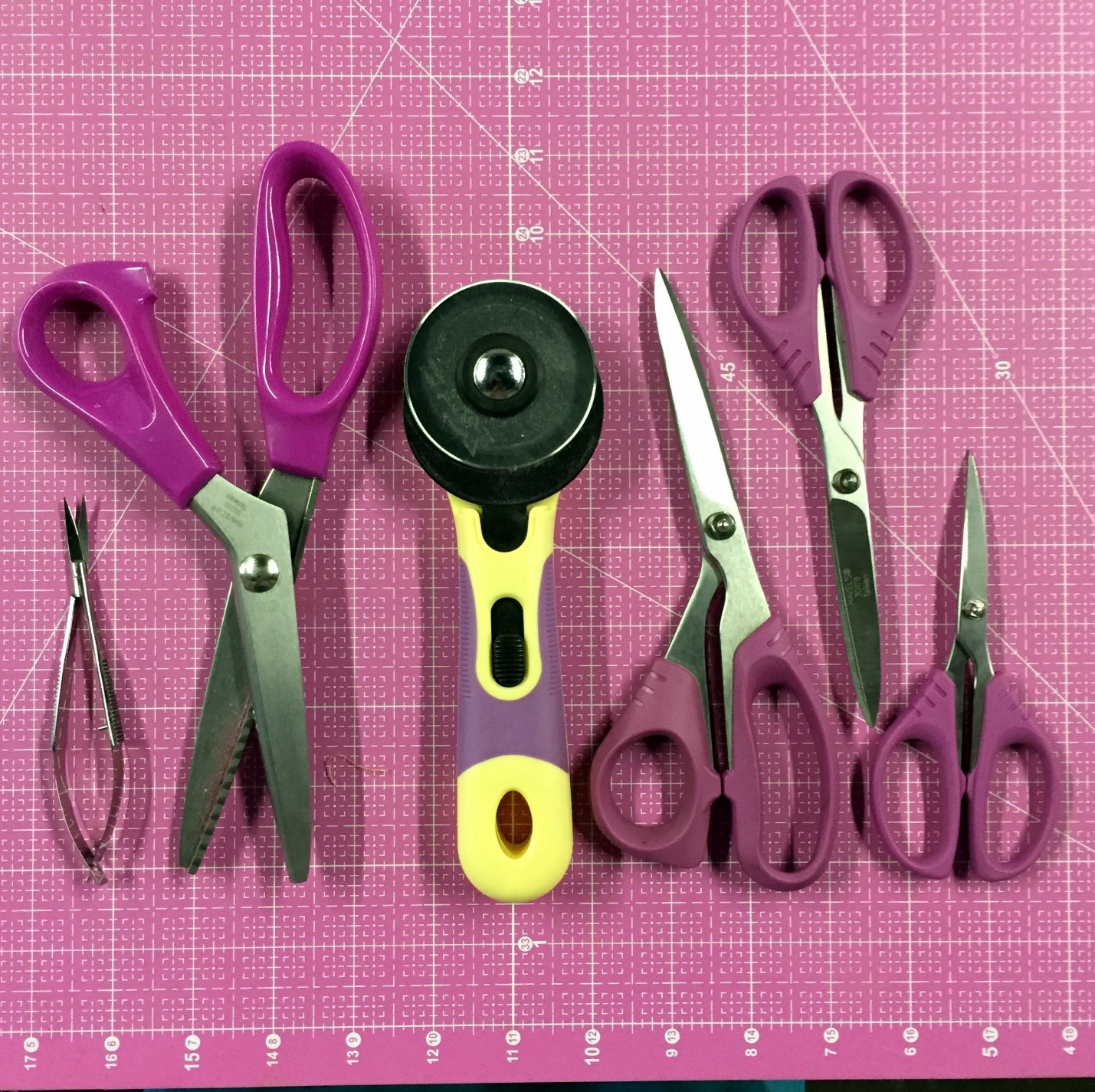 jami-fingal_pinking-shears_image-1